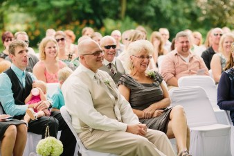 munson-bridge-winery-outdoor-wedding-in-wisconsin-photos-032