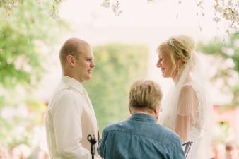 munson-bridge-winery-outdoor-wedding-in-wisconsin-photos-034