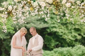 munson-bridge-winery-outdoor-wedding-in-wisconsin-photos-035