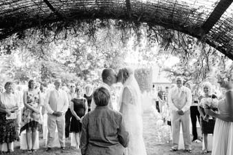 munson-bridge-winery-outdoor-wedding-in-wisconsin-photos-036