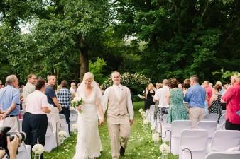 munson-bridge-winery-outdoor-wedding-in-wisconsin-photos-038