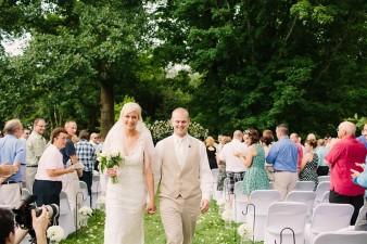 munson-bridge-winery-outdoor-wedding-in-wisconsin-photos-039