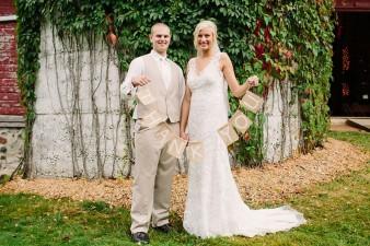 munson-bridge-winery-outdoor-wedding-in-wisconsin-photos-042