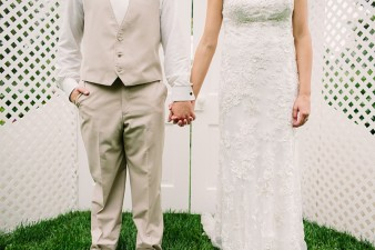 munson-bridge-winery-outdoor-wedding-in-wisconsin-photos-043