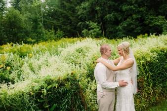 munson-bridge-winery-outdoor-wedding-in-wisconsin-photos-044