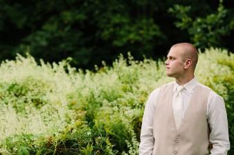 munson-bridge-winery-outdoor-wedding-in-wisconsin-photos-046