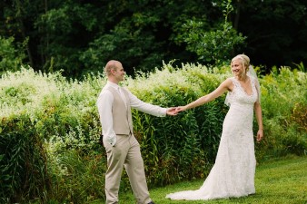 munson-bridge-winery-outdoor-wedding-in-wisconsin-photos-047