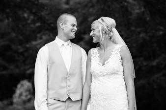 munson-bridge-winery-outdoor-wedding-in-wisconsin-photos-049