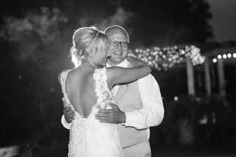 munson-bridge-winery-outdoor-wedding-in-wisconsin-photos-060