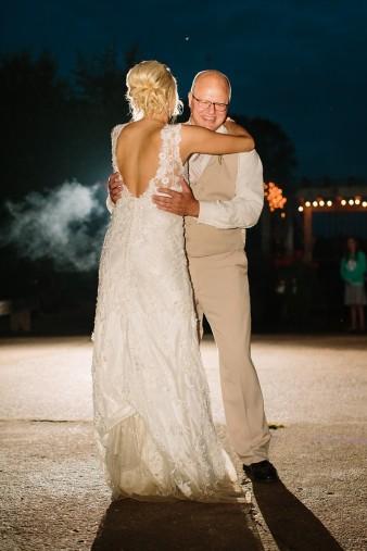 munson-bridge-winery-outdoor-wedding-in-wisconsin-photos-062