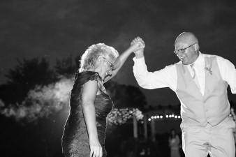munson-bridge-winery-outdoor-wedding-in-wisconsin-photos-064