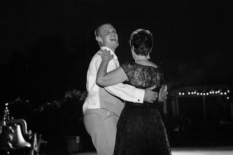 munson-bridge-winery-outdoor-wedding-in-wisconsin-photos-065