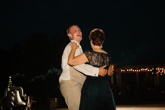 munson-bridge-winery-outdoor-wedding-in-wisconsin-photos-066