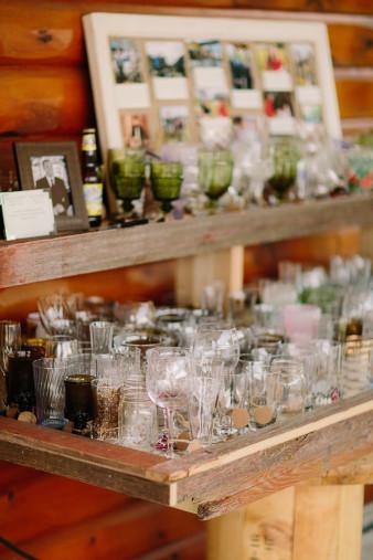 06-outdoor-leinenkugel-travel-themed-wedding-chippewa-falls-wi