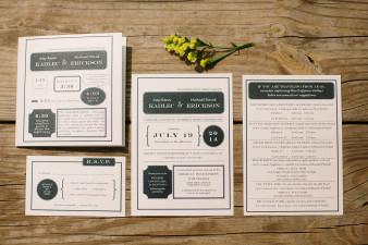 07-outdoor-leinenkugel-travel-themed-wedding-chippewa-falls-wi