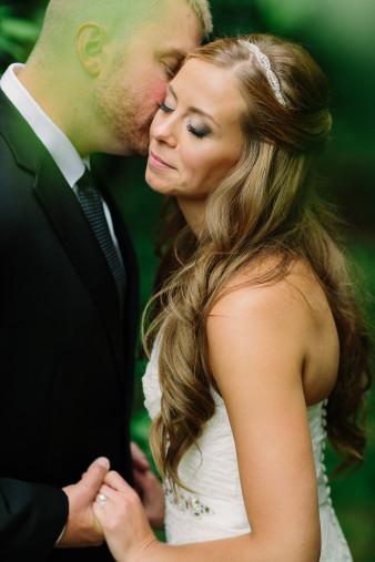 18-outdoor-leinenkugel-travel-themed-wedding-chippewa-falls-wi