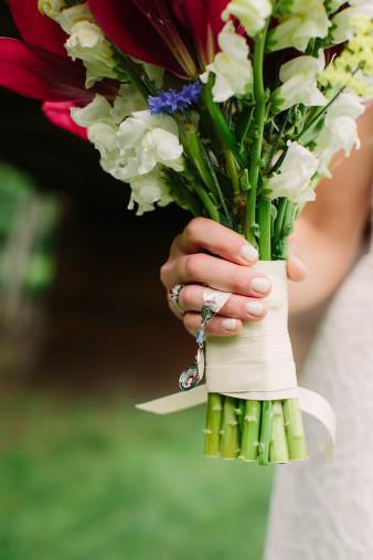 25-outdoor-leinenkugel-travel-themed-wedding-chippewa-falls-wi