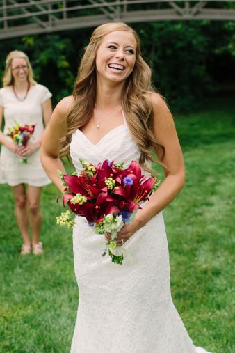 31-outdoor-leinenkugel-travel-themed-wedding-chippewa-falls-wi