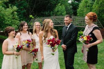 32-outdoor-leinenkugel-travel-themed-wedding-chippewa-falls-wi