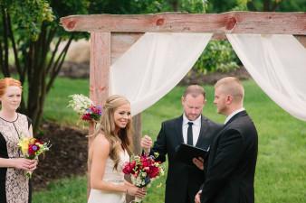 41-outdoor-leinenkugel-travel-themed-wedding-chippewa-falls-wi