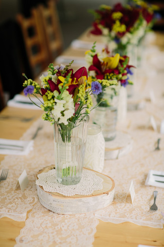 45-outdoor-leinenkugel-travel-themed-wedding-chippewa-falls-wi