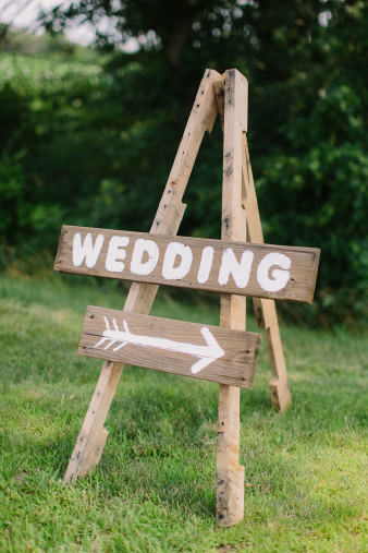 60-outdoor-leinenkugel-travel-themed-wedding-chippewa-falls-wi