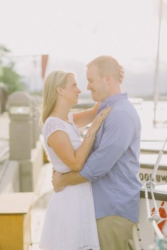 19-lake-mendota-madison-wi-engagement-photos