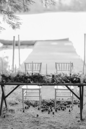 025-outdoor-dock-lake-rustic-table-setting-for-wedding-inspiration-photos