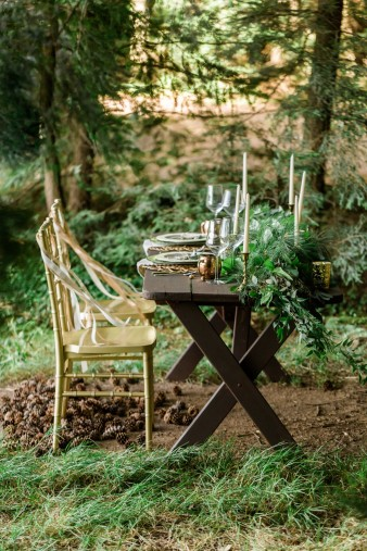 031-outdoor-dock-lake-rustic-table-setting-for-wedding-inspiration-photos