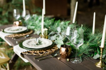 038-outdoor-dock-lake-rustic-table-setting-for-wedding-inspiration-photos