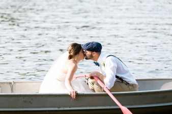 061-couple-photos-in-row-boat