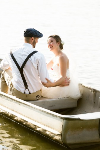062-couple-photos-in-row-boat