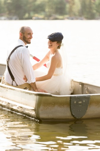 064-couple-photos-in-row-boat