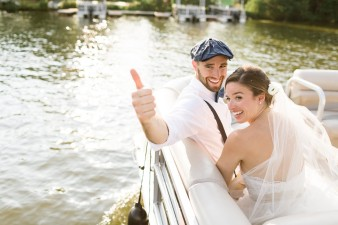 069-couple-photos-in-row-boat
