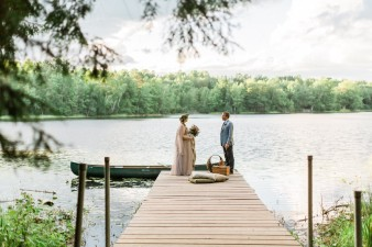 081-north-central-wisconsin-lakeside-camp-wedding-inspiration