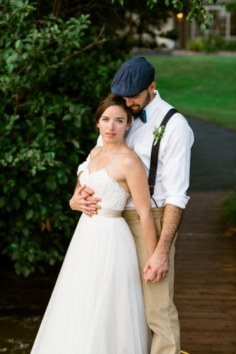 086-husband-wife-wedding-photographers-destination-wisconsin-wedding