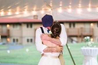 087-husband-wife-wedding-photographers-destination-wisconsin-wedding