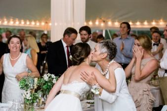 089-husband-wife-wedding-photographers-destination-wisconsin-wedding