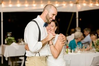 102-husband-wife-wedding-photographers-destination-wisconsin-wedding