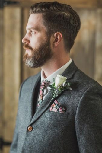 12-what-to-wear-groom-winter-wedding