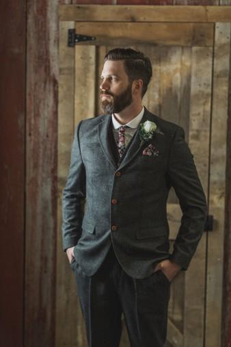 14-what-to-wear-groom-winter-wedding