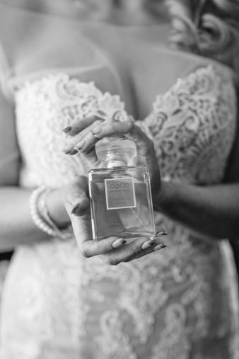 17-what-to-wear-bride-winter-wedding