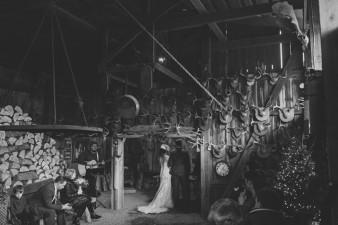 44-hunting-shack-winter-wedding-ideas