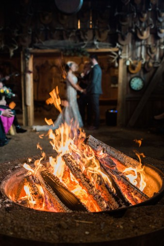 45-hunting-shack-winter-wedding-ideas