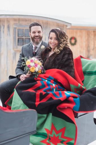 53-winter-wedding-sleigh-ride-wisconsin