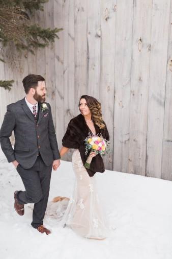 58-winter-wedding-sleigh-ride-wisconsin
