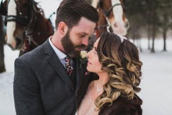 61-winter-wedding-sleigh-ride-wisconsin