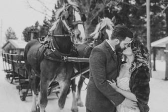 63-winter-wedding-sleigh-ride-wisconsin