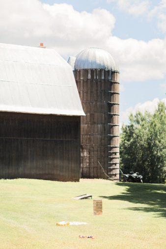 15-Midwest-Farm-Backyard-Pond-Wedding-James-Stokes-Photography