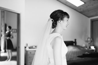 22-Wisconsin-Home-Yard-Wedding-Photos-James-Stokes-Photography